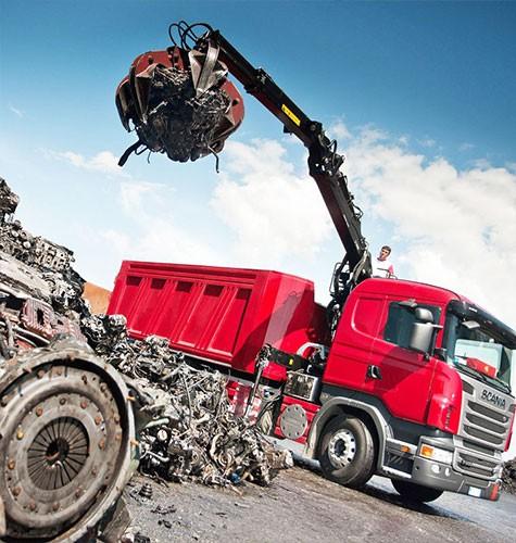Вывоз мусора ломовозом в Москве